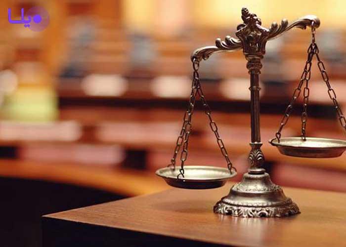 داشتن وکیل