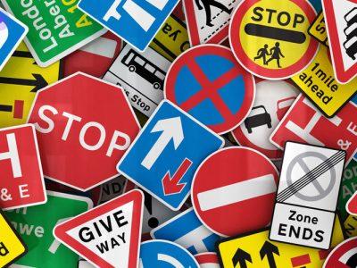 انواع تابلوهای راهنمایی و رانندگی