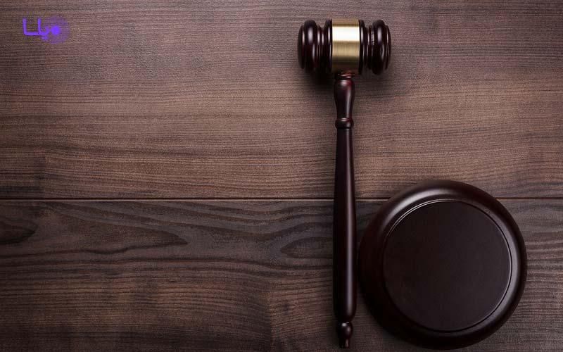 حضور وکیل
