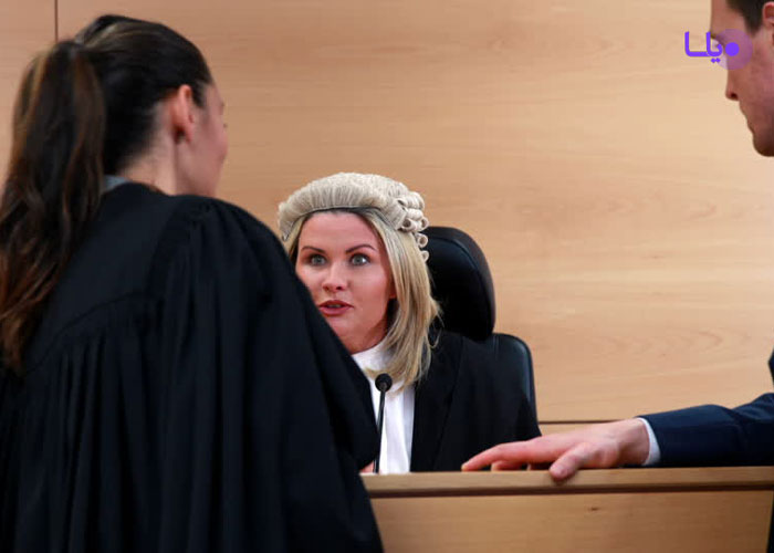 وکیل دادگاه
